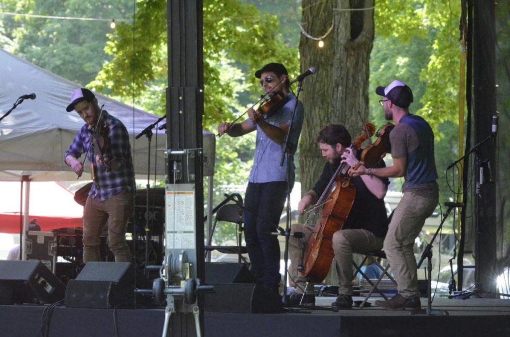Hal yang Harus Disiapkan Untuk Berpartisipasi di Festival Musik Fiddler's Grove